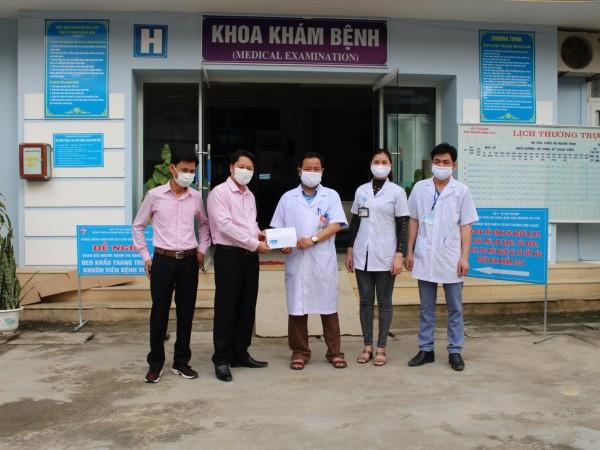Ngân hàng chính sách xã hội Huyện Hoàng Su Phì ủng hộ Bệnh Viện ĐKKV Hoàng Su Phì phòng chống dịch COVID-19