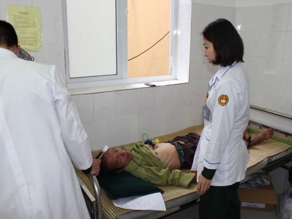 Bệnh viện ĐKKV Hoàng Su Phì phối hợp với bệnh viện Quân Y 103 tổ chức khám sàng lọc bệnh tim mạch