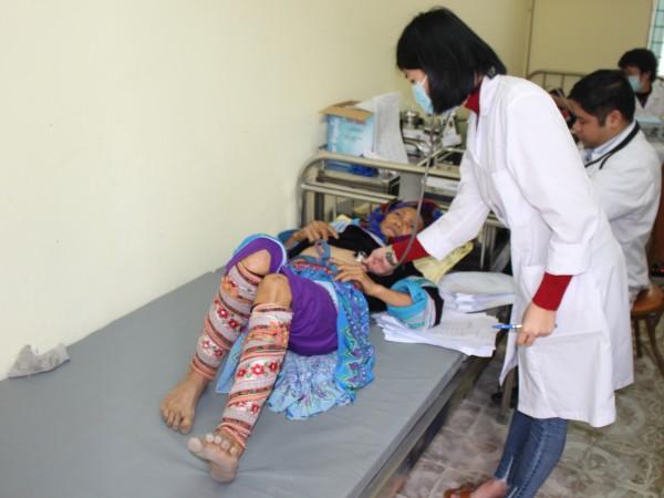 Bệnh viện ĐKKV Hoàng Su Phì tổ chức khám chữa bệnh cấp phát thuốc miễn phí cho nhân dân 3 xã Nậm Ty, Thông Nguyên, Bản Máy